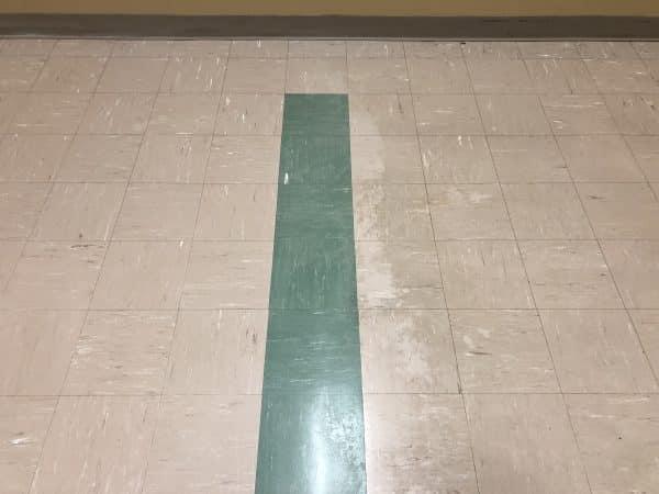Simix cleans tile floors